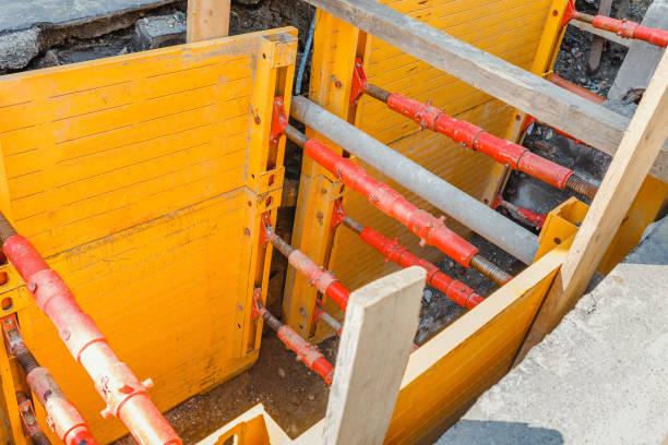 Arbeiten, unterirdische Kommunikationswege durch den Einsatz von Schiebe-und Grabenanlagen zur Bodenstützung zu ersetzen – Foto