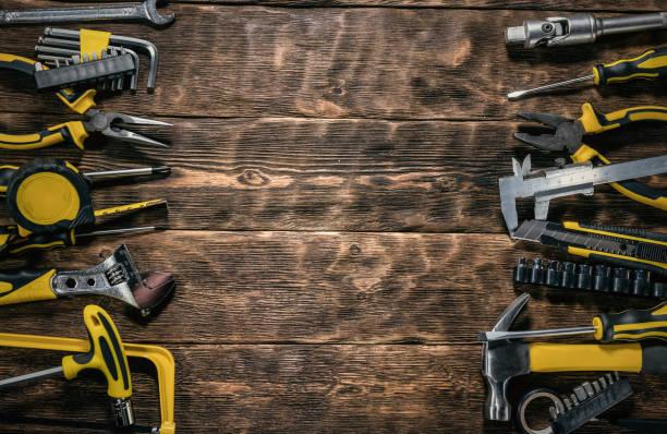 arbeitswerkzeuge. - werkzeugbank stock-fotos und bilder