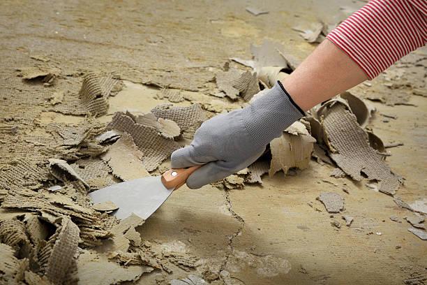 Arbeiter mit Kitt Messer für die Reinigung Etage – Foto