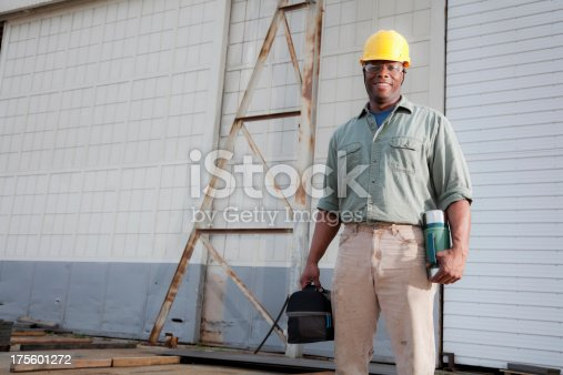 istock Worker with lunchbox 175601272