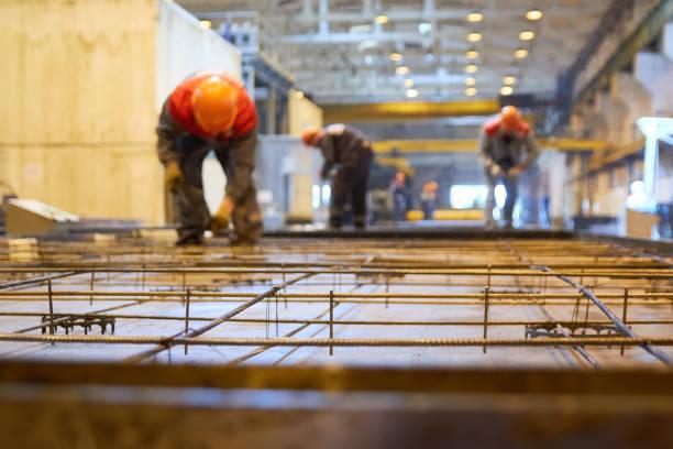 공장에서 노동자 - 봉 뉴스 사진 이미지