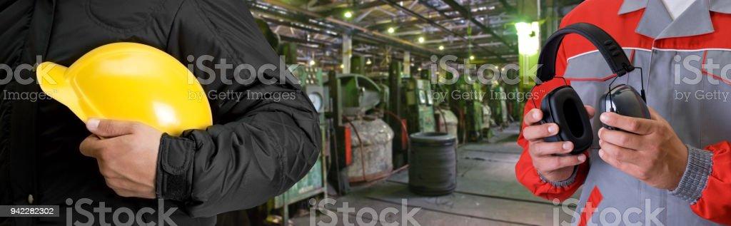 Arbeiter im Werk – Foto