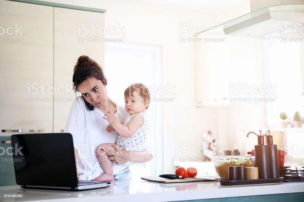 Travail à domicile  - Photo