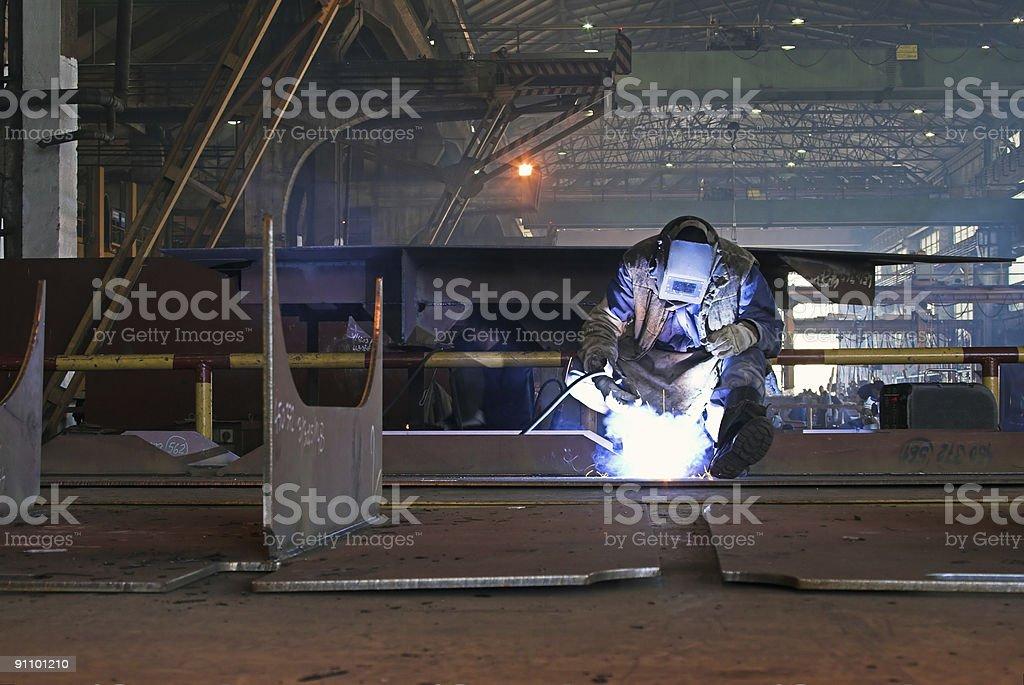 Trabajo en el sector de la construcción naval - foto de stock