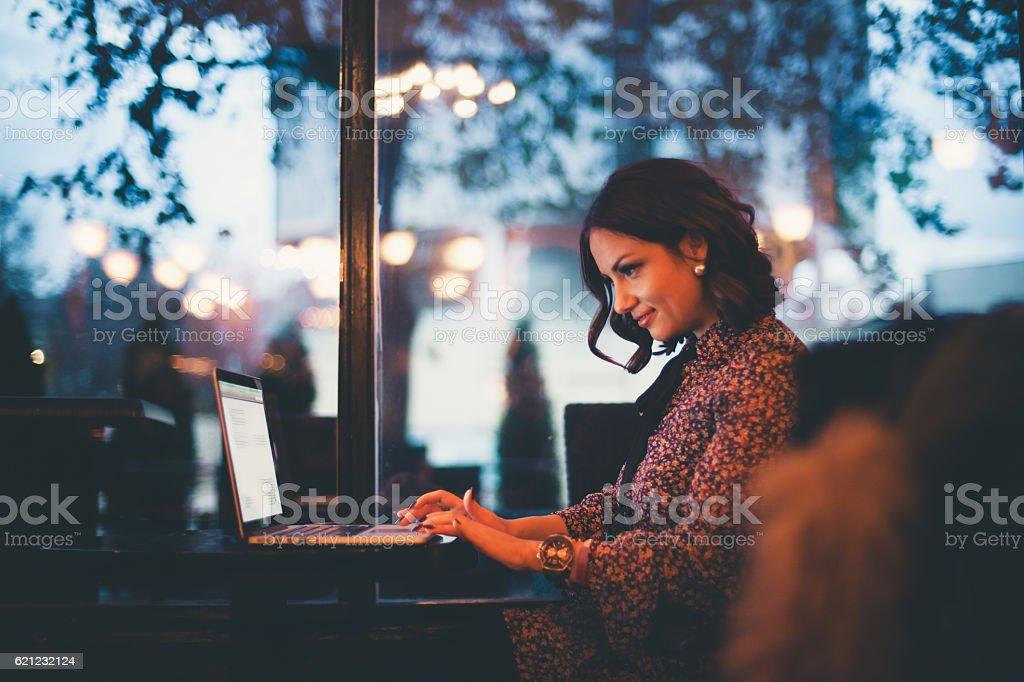 Arbeiten in einem Café – Foto