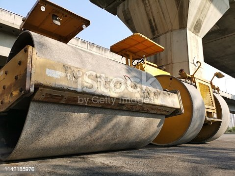 Steamroller, Front View, White Background, Machinery, Dirty