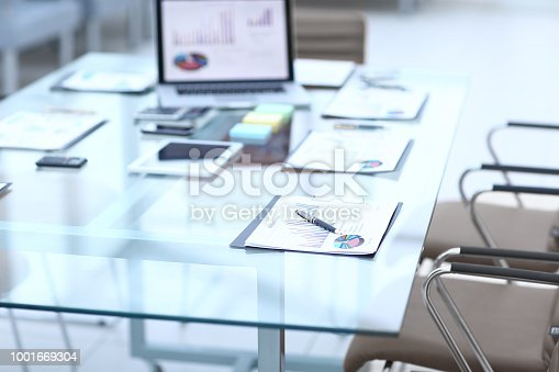 527033580istockphoto workplace of the businessman.photo with copy space 1001669304
