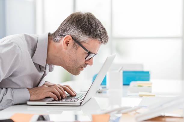 Problèmes de vision au travail - Photo