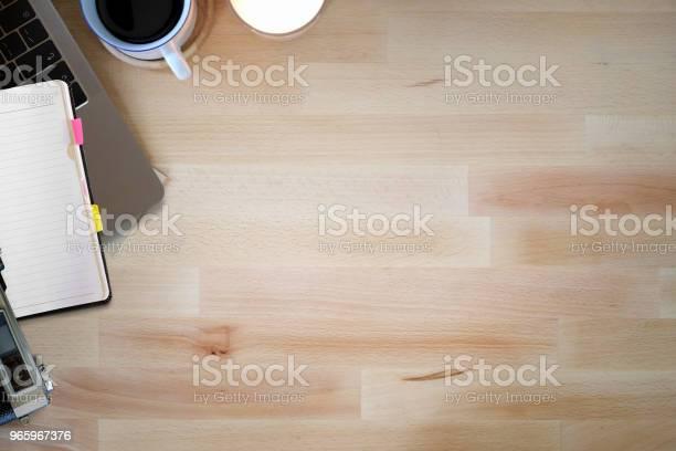 Arbeitsbereich Mit Laptop Notebook Und Kaffeebecher Arbeitsplatz Und Kopie Raum Stockfoto und mehr Bilder von Arbeiten