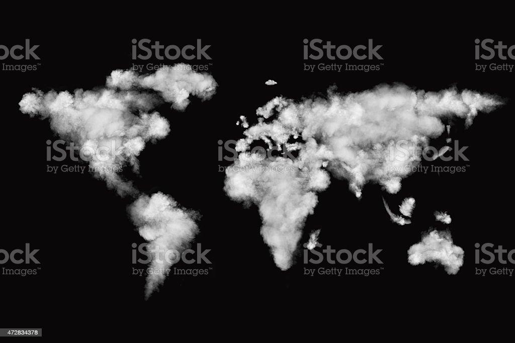 Mapa mundial hecho de nubes blancas aisladas sobre negro  - foto de stock