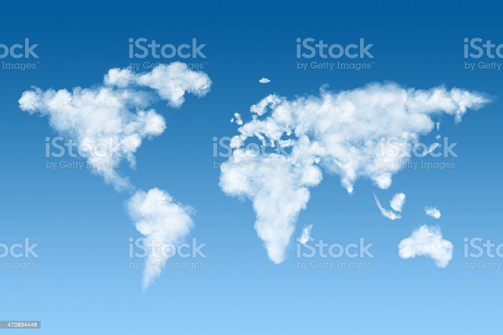 Mapa mundial hecho de nubes blancas en el cielo - foto de stock