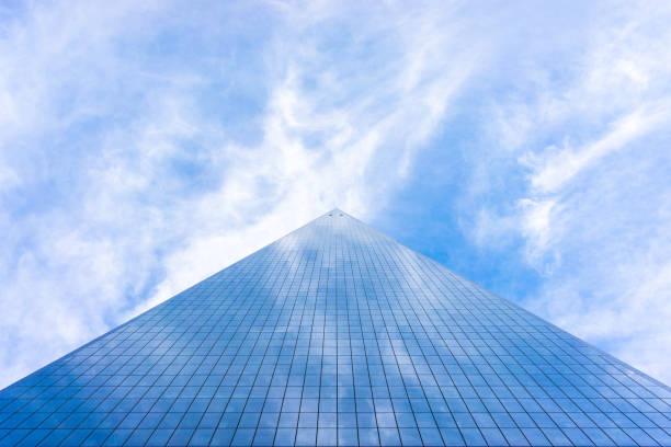 world trade center ist das höchste gebäude der westlichen hemisphäre und das dritthöchste gebäude der welt - hohe warte stock-fotos und bilder