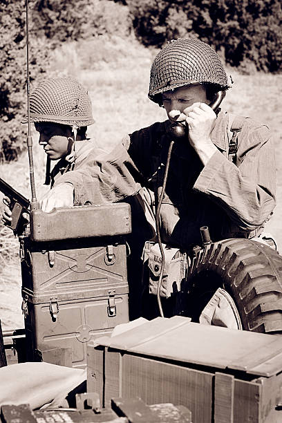 World War 2 Soldaten mit einem Field Telephone – Foto