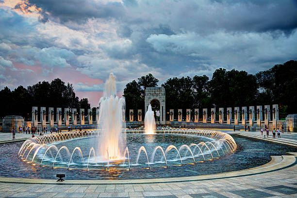 world war ii memorial in washington, dc at sunset - war memorial stock pictures, royalty-free photos & images