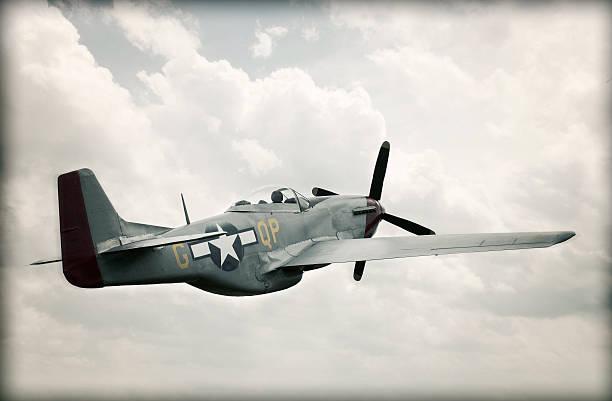 World War II TF - 51 Mustang dans le ciel-enfants - Photo