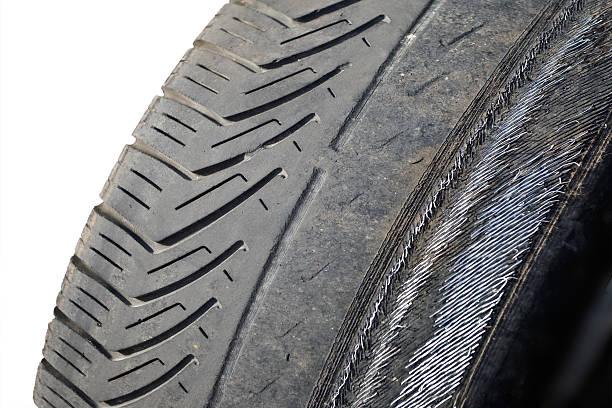 Abgenutzte Reifen – Foto