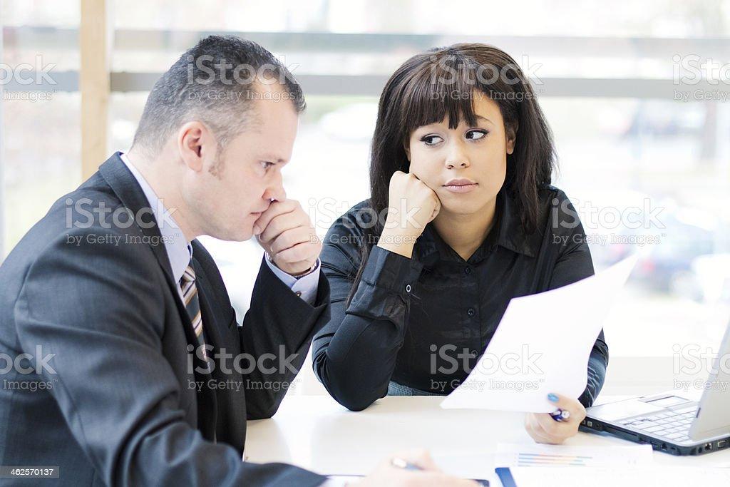 Zmartwiony Ludzie biznesu – zdjęcie