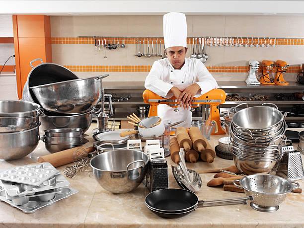 preoccupato chef - chef triste foto e immagini stock