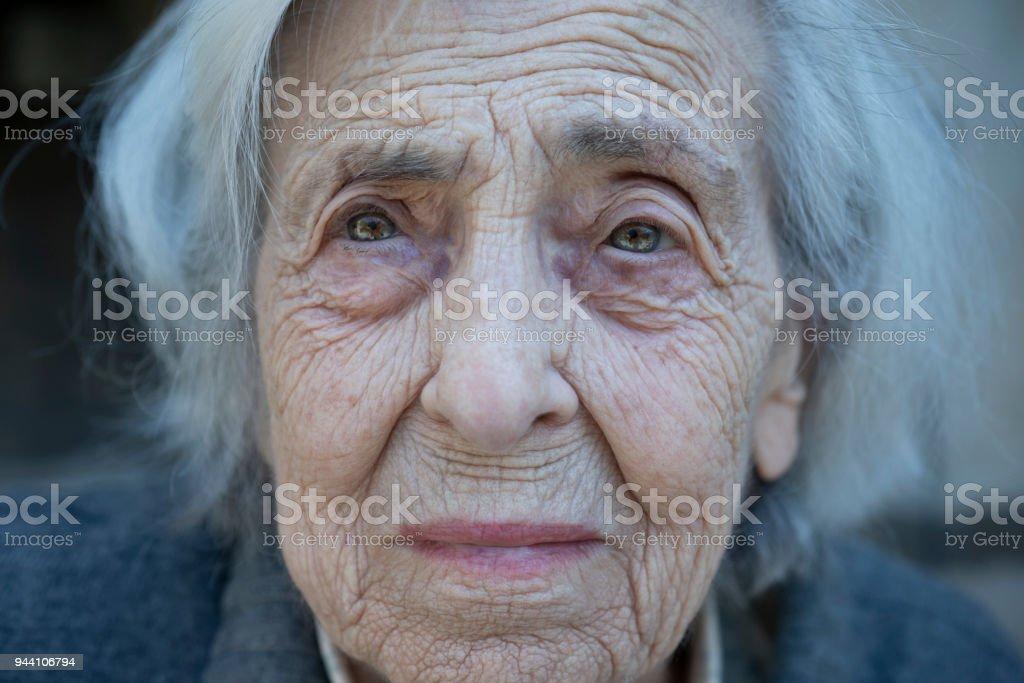 Worried senior woman - foto stock