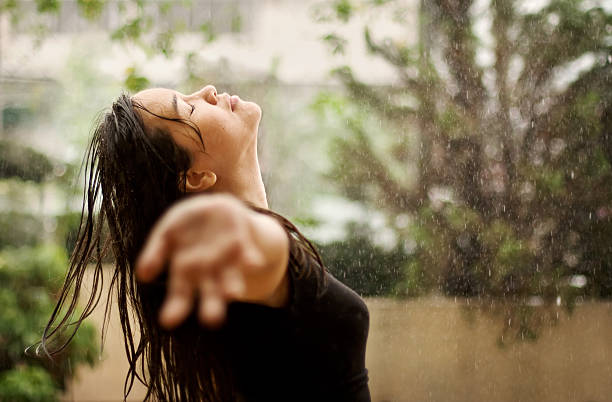 worship in the rain - drenched stock pictures, royalty-free photos & images