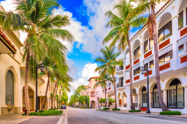 worth ave palm beach - south stock pictures, royalty-free photos & images