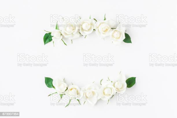 Wreath made of white rose flowers flat lay top view picture id673307354?b=1&k=6&m=673307354&s=612x612&h= q6uufcjdgwwbrg5 wfmh9xdmgbutaypqtfbu ekcr8=