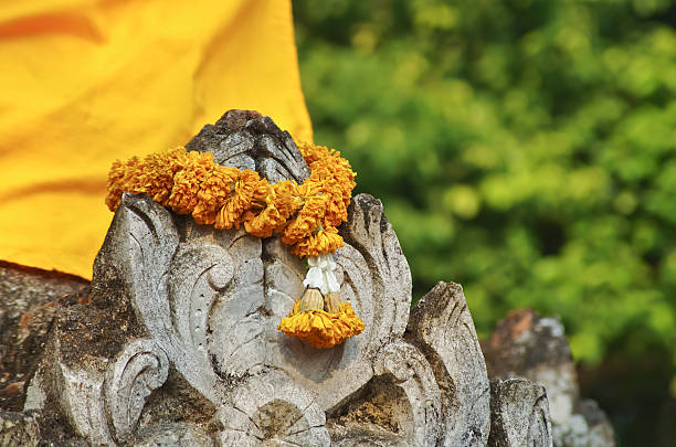 wreath to worship string flowers for belief in religion Amen stock pictures, royalty-free photos & images