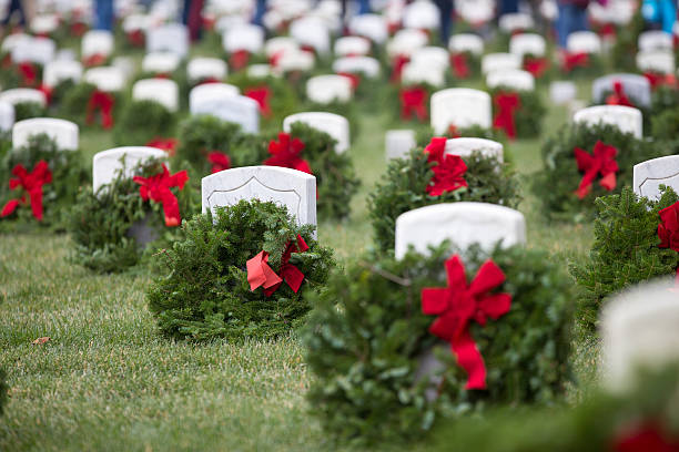 wreaths at arlington  national  cemetery - arlington national cemetery stock pictures, royalty-free photos & images