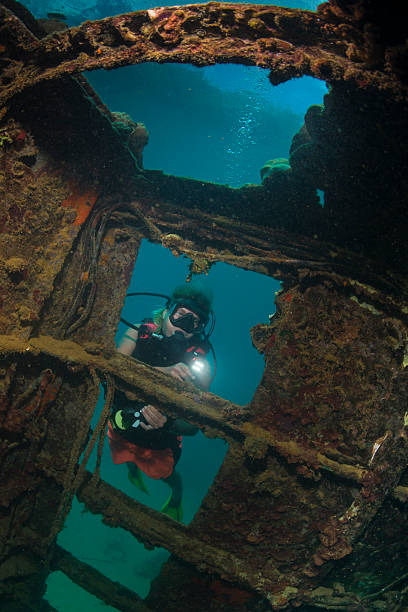 wreck dive - wreck diving stock pictures, royalty-free photos & images