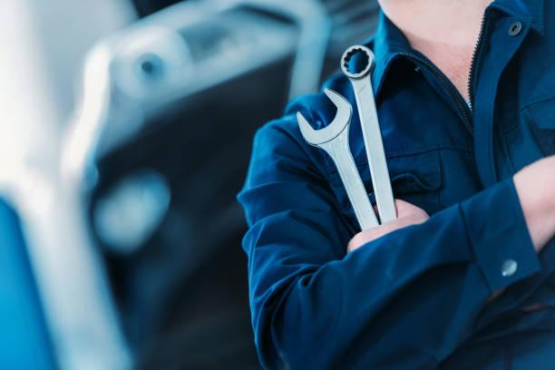 clé clé et l'anneau - garagiste photos et images de collection