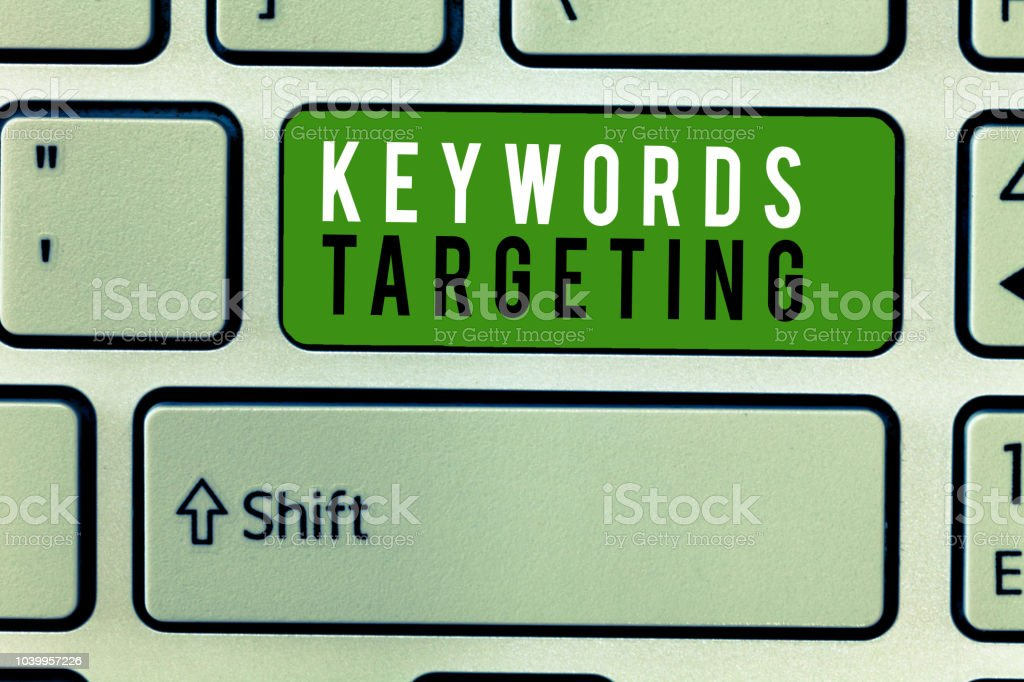 Writing note showing Keywords Targeting. Business photo showcasing Use Relevant Words to get High Ranking in Search Engines – zdjęcie