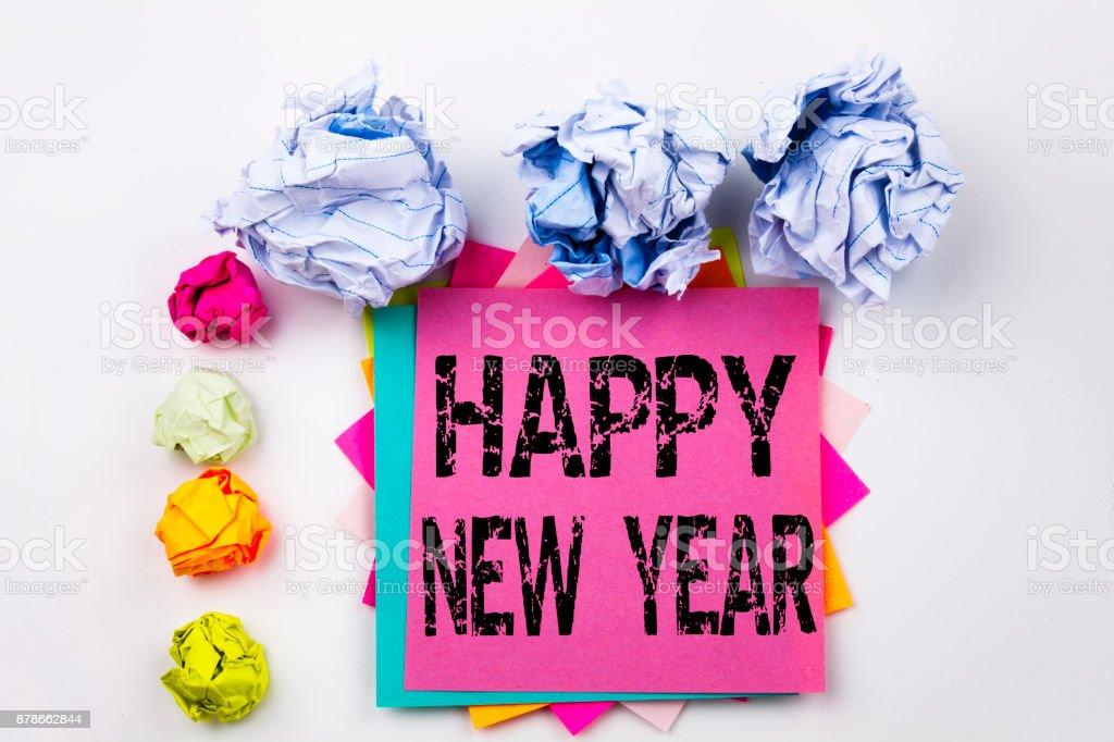 Écriture de texte montrant happy new year écrit le pensebête au