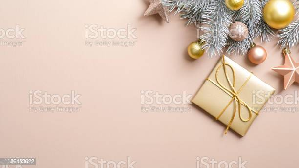 Xmas banner mockup with gold christmas gift box and decorations on picture id1186453622?b=1&k=6&m=1186453622&s=612x612&h=x 7esfahagylqrgpewuzhaivrtistebbuuwx2nirgai=