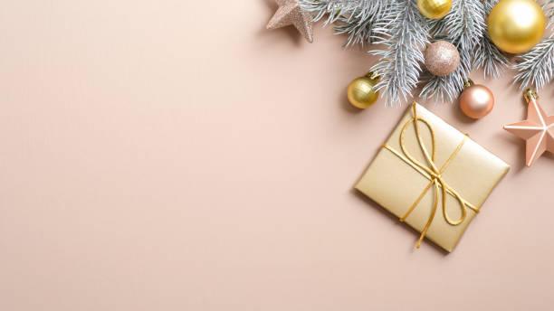 Xmas banner mockup with gold christmas gift box and decorations on picture id1186453622?b=1&k=6&m=1186453622&s=612x612&w=0&h=sr4ov7 xds7wyteu5jwl4t5whckjb3zxjrweser2dsa=