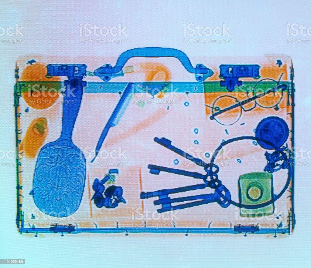 X-ray of eine Aktentasche in Flughafen Gepäck check – Foto