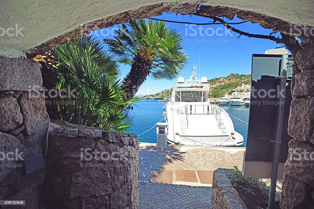yacht dans Poltu Quatu - Photo