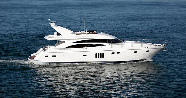 yacht - versandrolle stock-fotos und bilder