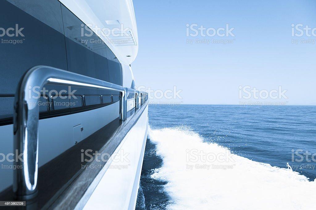 Navegación En Yate De Alta Velocidad Terraza Barras De Apoyo