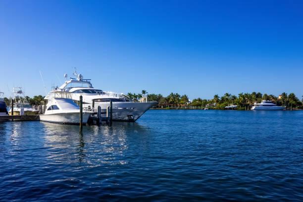 Yachten in Fort Lauderdale bei USA angedockt – Foto