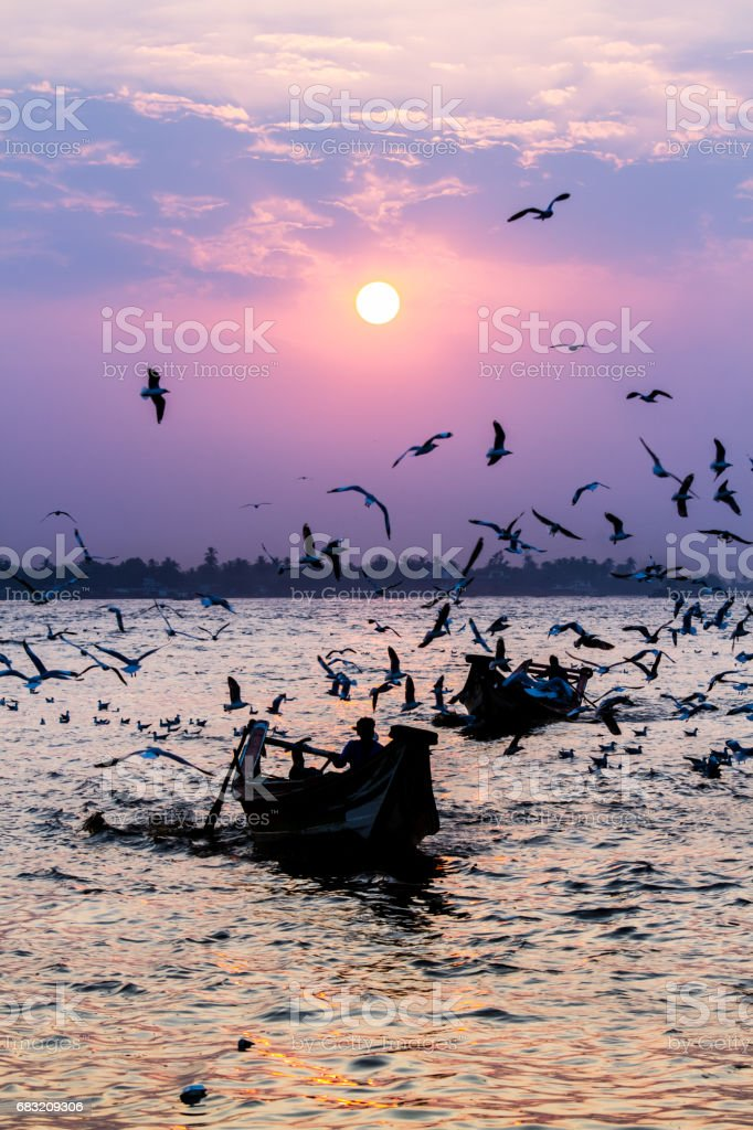 Yangon river sunset foto de stock royalty-free