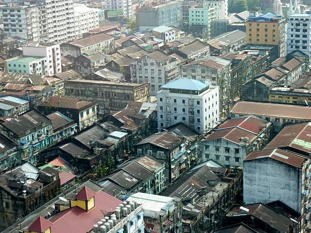 zabudowa miejska, yangon, myanmar - burma home do zdjęcia i obrazy z banku zdjęć