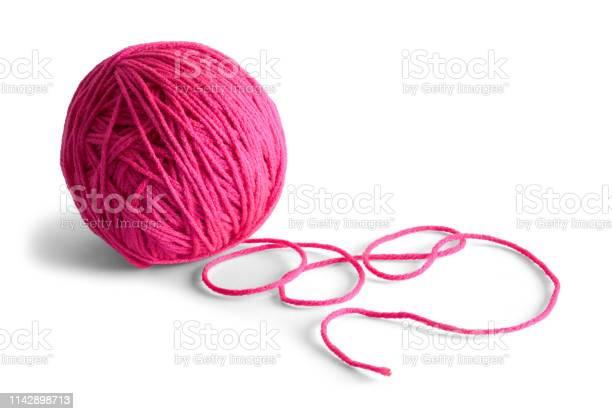 Yarn ball picture id1142898713?b=1&k=6&m=1142898713&s=612x612&h=aivovmuu4w71qsscrxt8tmsa8wofjujf6zbkuik1r w=