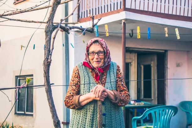 90歳の女性 - 東ヨーロッパ ストックフォトと画像