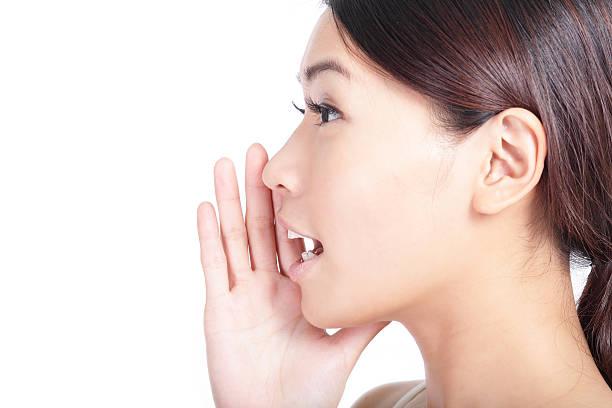 mit schreien frau mund nahaufnahme - menschlicher mund stock-fotos und bilder