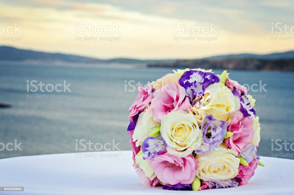 Yellow And Pink Roses Wedding Bouquet Stock Photo Download Image Now Istock