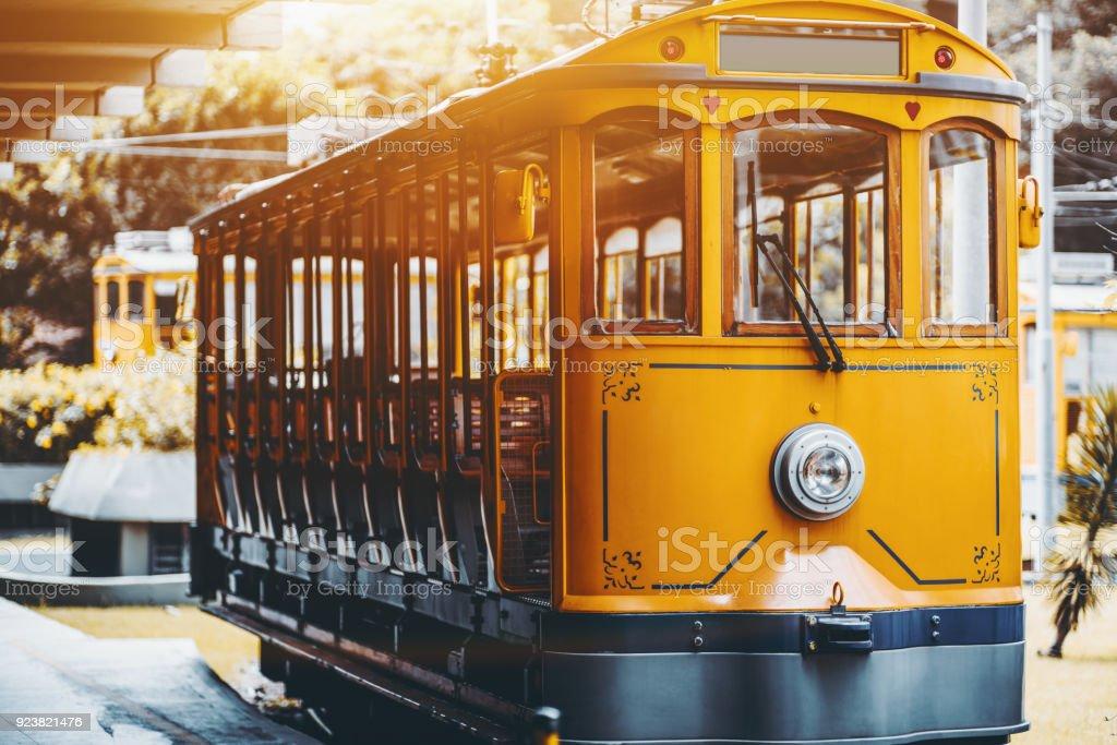 Gelbe Bonde Straßenbahn für Touristen in Rio – Foto