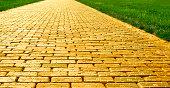 istock Yellow Brick Road - Wide 185119734