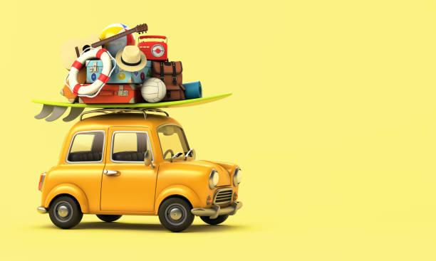 gelbes auto mit gepäck auf dem dach bereit für den sommerurlaub - wasser sicherheitsausrüstung stock-fotos und bilder