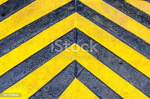 istock Yellow directional arrows 187259945