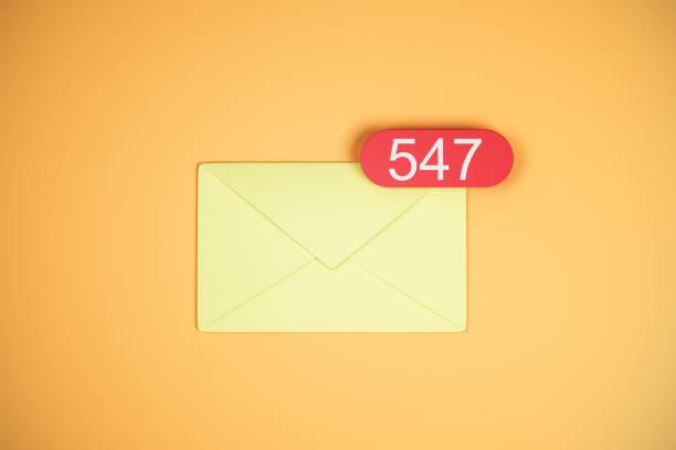 547 gelbe e-Mail-Symbole – Foto